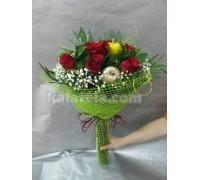 Букет с седем броя червени рози